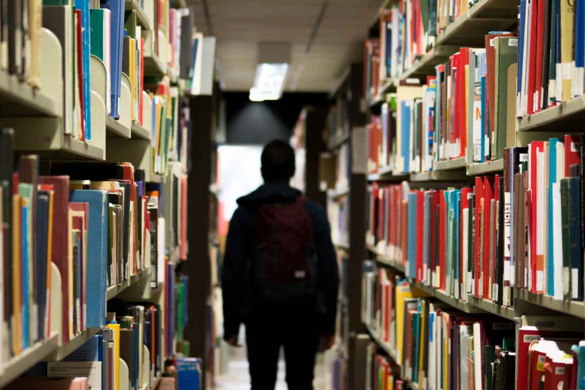 studentinlibrary